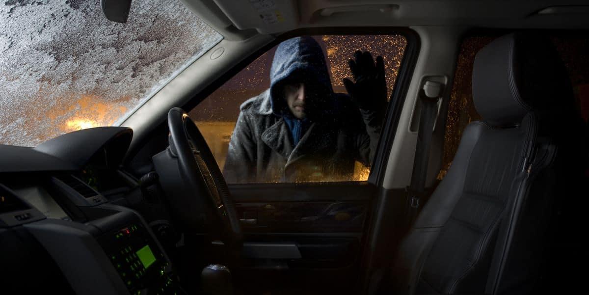 lopov automobil